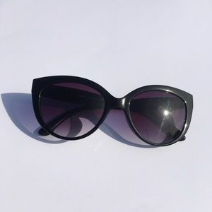 A.J. Morgan Cat Eye Sunglasses (Black)